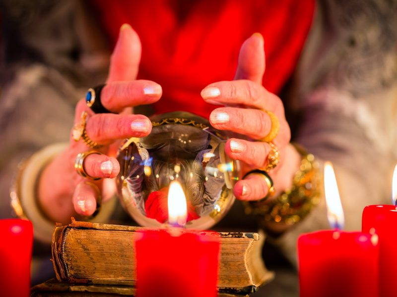 Understanding What Psychic Medium Readings Entail