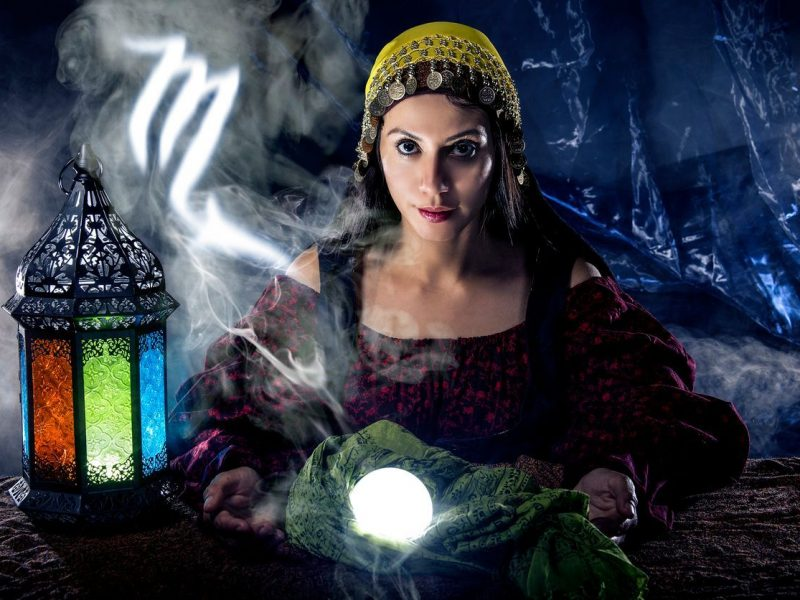 Accurate Psychic Mediums – How Easy Are They To Find?