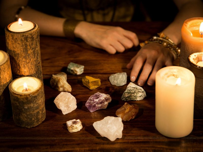 Real Psychic Mediums? How to Tell If a Psychic Is Genuine (Say No to Fakes)